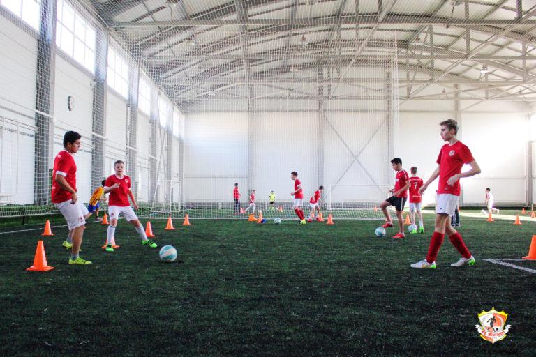 Футбольные просмотры в футбольные клубы москвы ночной клуб стойка